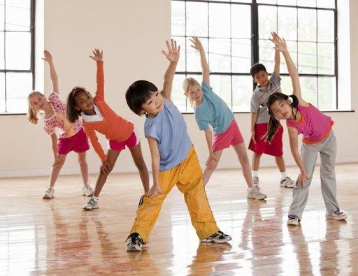 Thói quen tốt tập thể dục hàng ngày ở trẻ