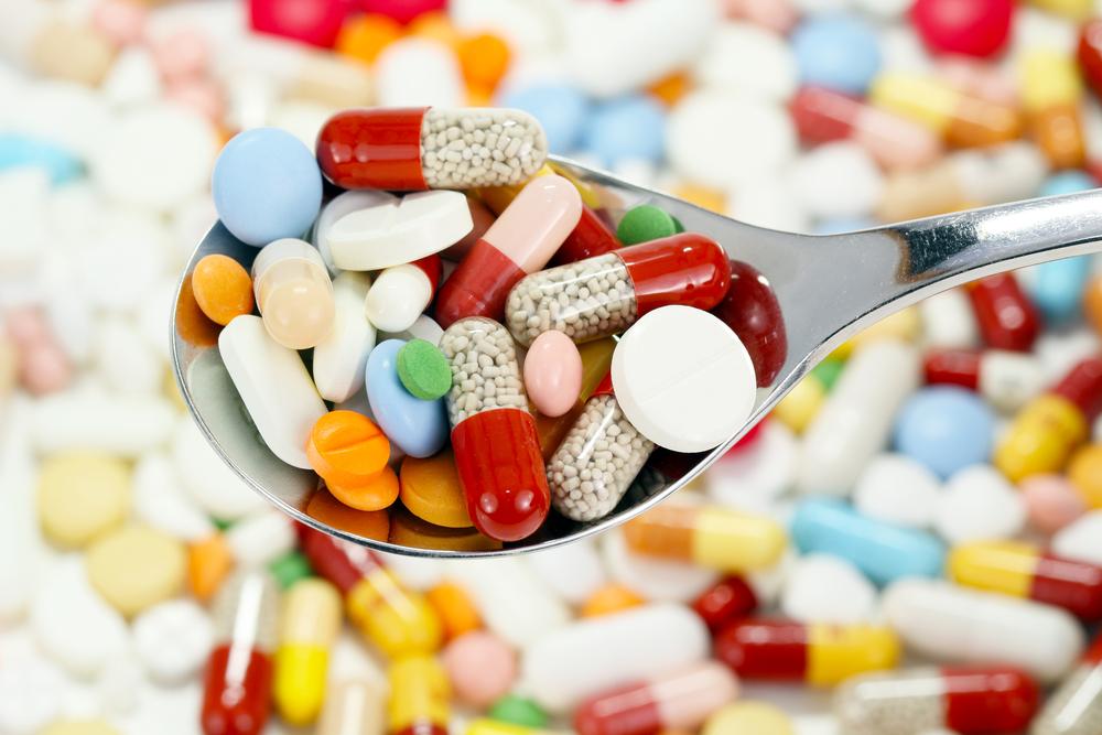 Những viên thuốc màu sắc nguy hiểm trẻ em nên tránh