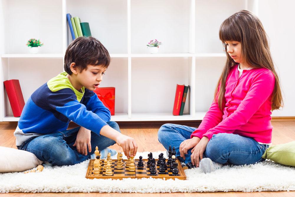 Cờ vua - Trò chơi phát triển trí não cho bé